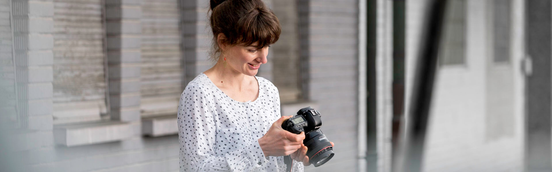 Mediamatiker Studentin Kamera Ausbildung